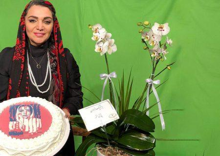 غافلگیری و گریه های الهام پاوه نژاد در صحنه تئاتر
