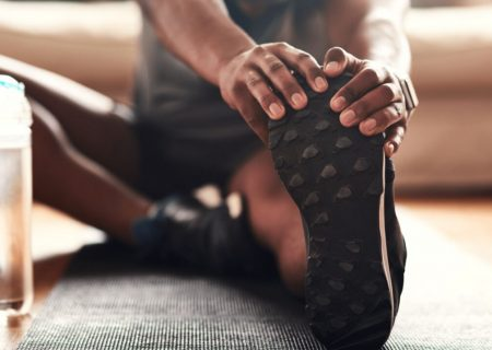 ۷ حرکت ورزشی که در ماه رمضان به کارتان میآید