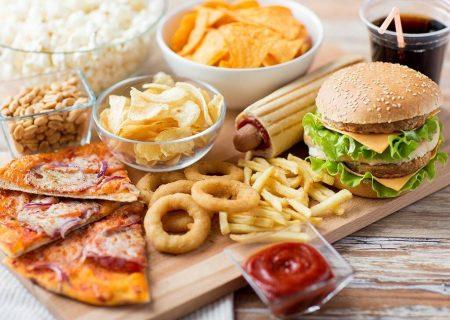 این ۶ عادت غلط غذایی به چهره شما آسیب میزند!