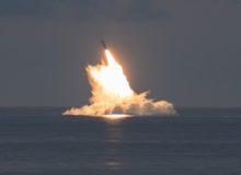 آزمایش موشکی برای همه کشورها بجز آمریکا ممنوع! / شلیک موفقیت آمیز دو موشک بالستیک توسط واشنگتن